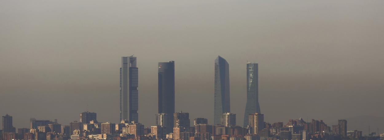 Las emisiones de polvo atmosférico oscilan entre los 60.000 y los 120.000 kilogramos por segundo, lo que supone un total de entre 2.000 a 4.000 millones de toneladas por año.