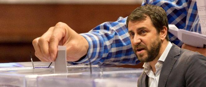 El exconsejero Antoni Comín podría votar presencialmente en Cataluña si los jueces no le inhabilitan.