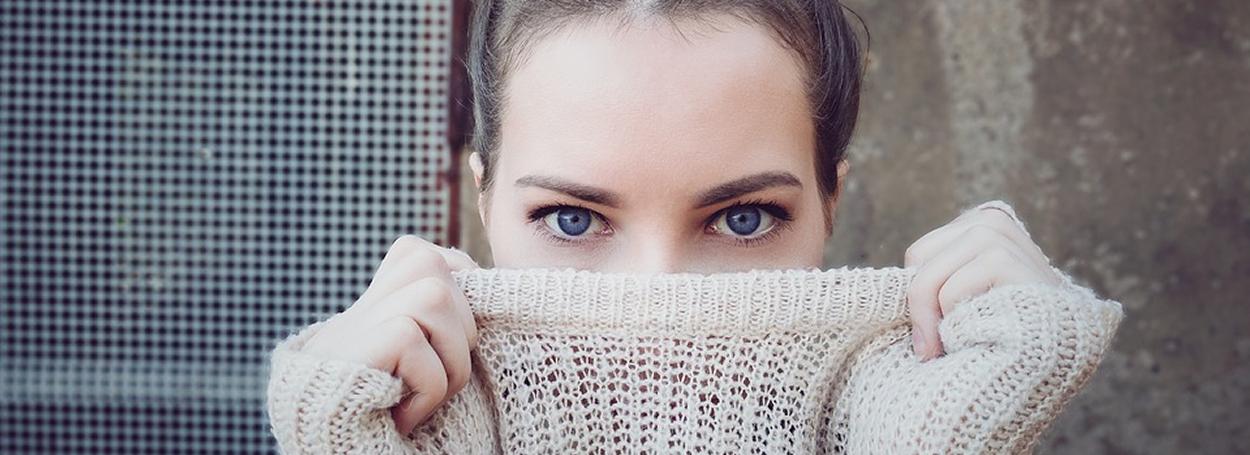 Es fundamental realizar una adecuada revisión ocular de la mano del médico oftalmólogo, para conocer los posibles problemas que pueden ocasionarse.