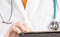 Un aspecto clave para asegurar la transversalidad de la atención al paciente crónico y mejorar la seguridad y continuidad asistencial es trabajar con circuitos bien definidos entre Atención Primaria y Atención Hospitalaria.