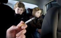 Piden prohibir fumar en espacios donde haya menores