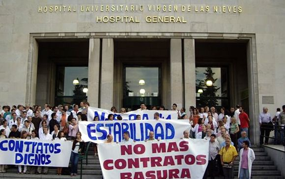 Imagen de una concentración de los sanitarios andaluces para reclamar mayor estabilidad en el empleo.