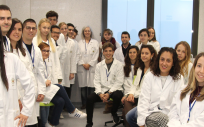 Los estudiantes del Grado en Farmacia y Veterinaria de la CEU UCH han comenzado ya a prepararse para ser los formadores que dirijan los experimentos con alumnos de colegios e institutos valencianos.