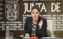 La portavoz del Gobierno de Extremadura, Isabel Gil Rosiña