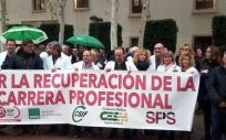 Los sanitaros de Murcia se movilizaron este miércoles ppara pedir la reactivación de la carrera profesional