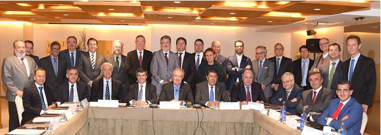 Miembros del Patronato de la Fundación IDIS este lunes en Madrid.