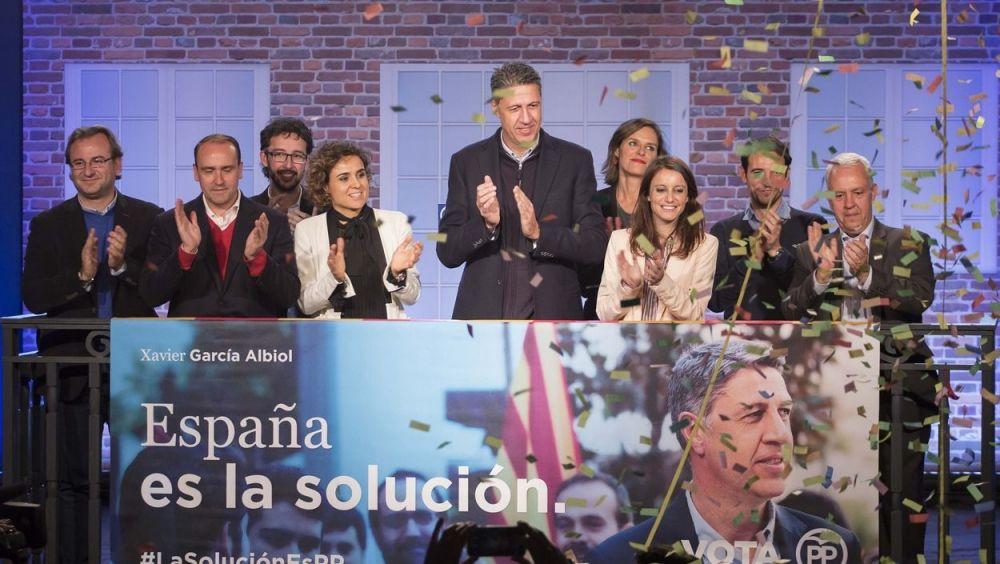 Dolors Montserrat, en el acto de inicio de campaña junto a Xavier García Albiol y Andrea Levy.