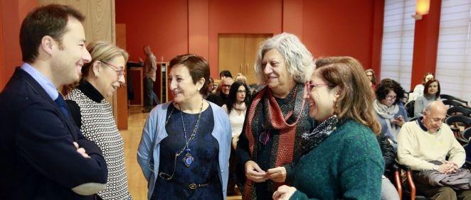 María Luisa Real, junto a organizadores y ponentes en las Jornadas de Cooperación Sanitaria Internacional | Foto: Nacho Romero