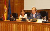 Belén Crespo Sánchez-Eznarriaga (directora de la AEMPS) y José Javier Castrodeza Sanz (secretario general de Sanidad y Consumo).