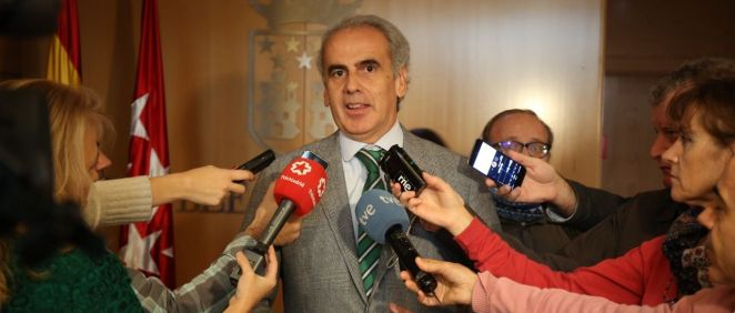 Ruiz Escudero, a la salida de la Asamblea de Madrid
