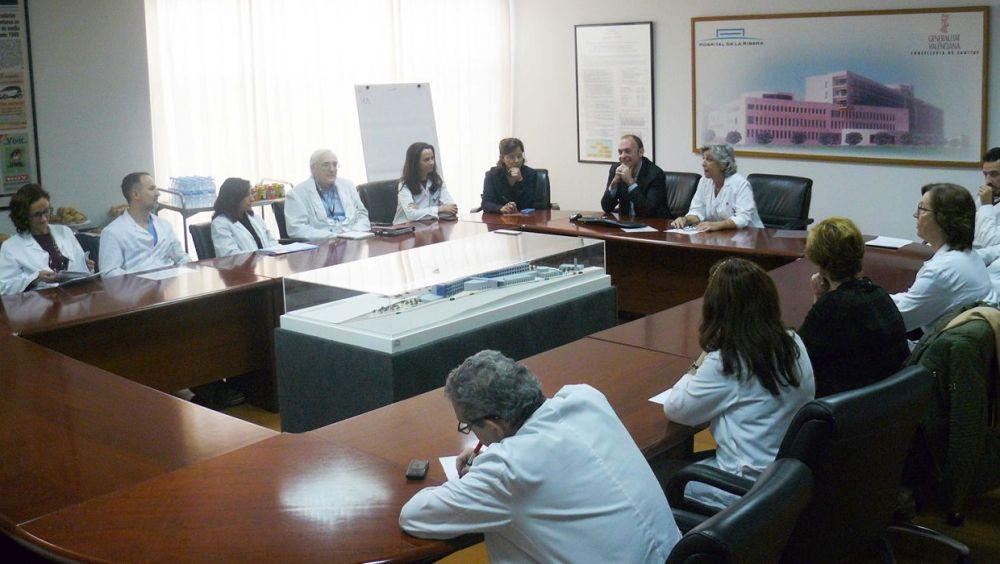 Participantes, en los II Debates sobre Investigación y Docencia celebrados en el Hospital de Alzira