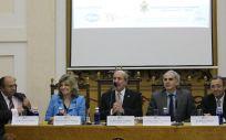 Participantes en el encuentro 'Nuestra contribución al Pacto de Estado por la Sanidad', organizado por la Asedef.