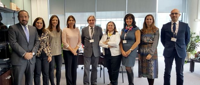 Representantes de la Aemps y de la Secpre en la sede de la Agencia del Medicamento