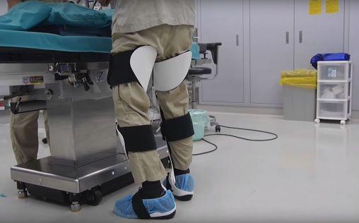 Sentarse de pie la nueva opci n para los cirujanos for Sillas para quirofano