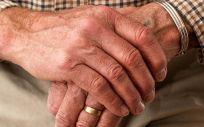 Los datos ponen de manifiesto que las tasas de caídas en adultos con párkinson avanzado son dos veces más altas que en individuos sanos de una edad similar