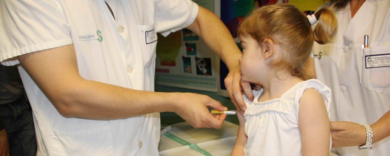 Los niños nacidos en Francia deberán recibir once vacunas de forma obligatoria si desean ser admitidos en una guardería o un colegio