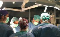 El Hospital Clínico y La Fe han realizado el primer trasplante de estas características en la Comunidad Valenciana