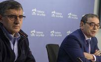 José Miguel Acítores (derecha) y Juan Antonio López (izquierda) hacen balance del año 2017 del sistema sanitario riojano
