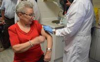 La vacunación durante varias temporadas en personas mayores tiene un alto efecto protector frente a las formas más graves de gripe