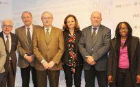 Representantes políticos y de las organizaciones de especialistas durante el acto de presentación de las propuestas contra el tabaco de la OMC y el CNPT