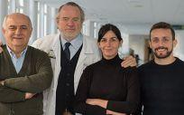 Àlvar Agustí (segundo por la izquierda), junto al resto de autores del artículo.