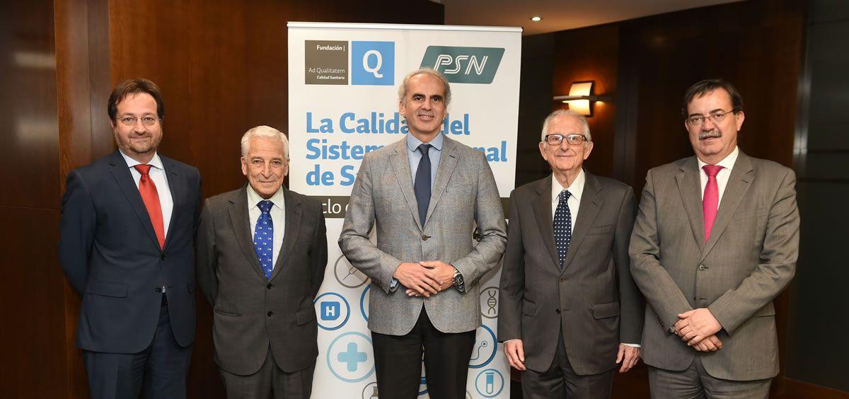 Enrique Ruiz-Escudero ha reconocido que, en ocasiones, el Sistema Sanitario no ha sabido dar respuesta a las reclamaciones de los profesionales.