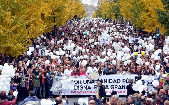 """Más de 60.000 personas se echan a la calle para pedir una """"sanidad digna"""" en Andalucía"""