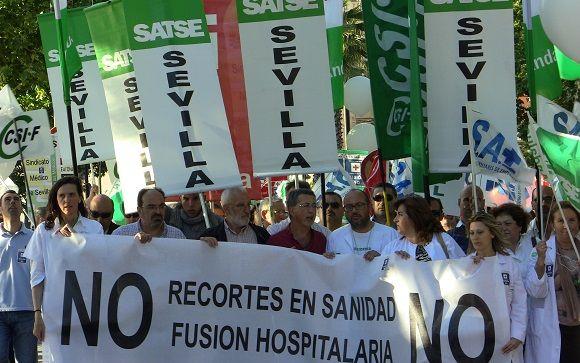 A la Junta de Andalucía se le enquista la fusión de hospitales