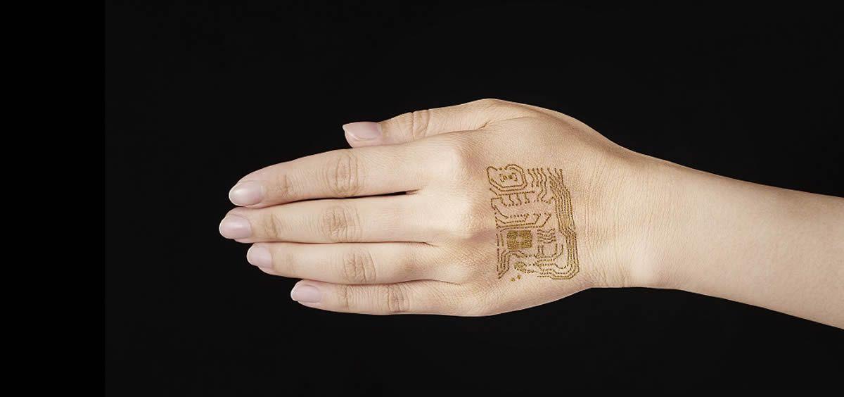 Tatuaje electrónico desarrollado por la Universidad de Tokio