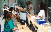 Canarias pretende crear 2.000 puestos de trabajo para profesionales del Servicio Canario de la Salud  que lleven varios años enlazando contratos de servicios extraordinarios o de sustitución