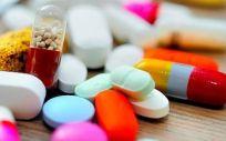 Dispositivo para sobredosis de opiáceos que libera naloxona automáticamente
