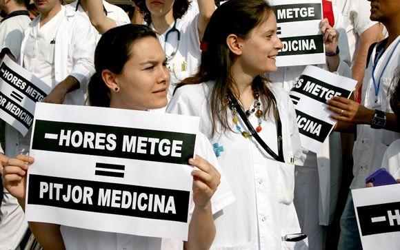 """Los médicos catalanes alertan a Comín: """"El recambio generacional está huyendo de Cataluña"""""""