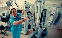 El robot quirúrgico da Vinci afina los movimientos, ofrece mayor precisión y proporciona una visión óptima en 3D