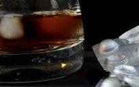 La mezcla de alcohol con ibuprofeno o paracetamol puede tener grandes consecuencias negativas para el hígado
