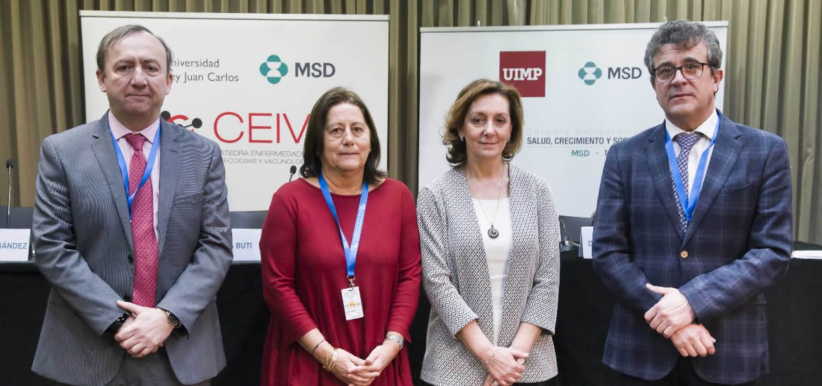 Los doctores Conrado Fernández Rodríguez, María Buti, Montaña Cámara y Javier Crespo