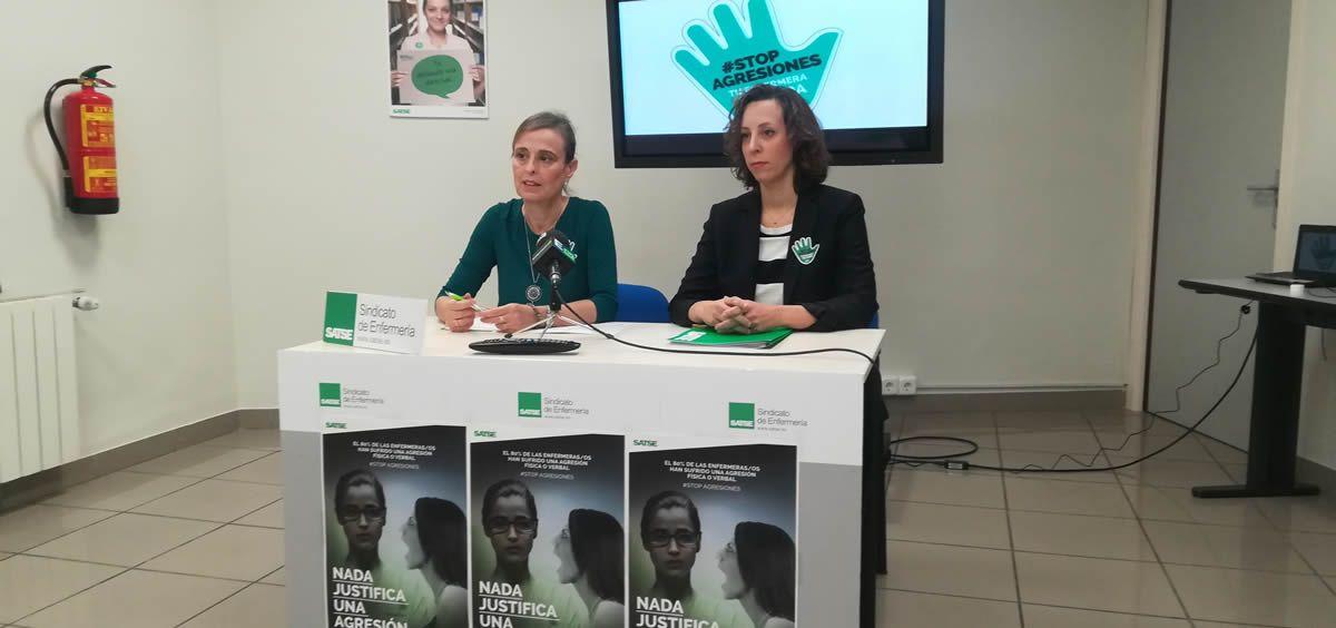 De izquierda a derecha: María José García y Mar Rocha, representantes de Satse, durante la presentación nacional de la campaña en el mes de marzo