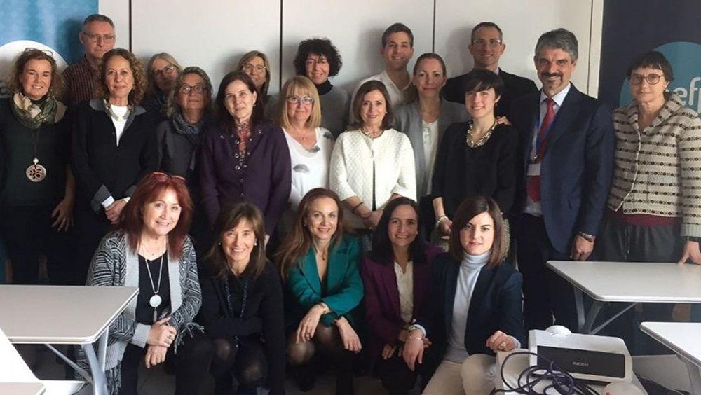 La sesión informativa ha sido impartida por Laura Vaquero, directora y fundadora de OmniGaea.