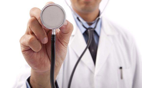 La sanidad privada ofrece empleo más estable que la pública