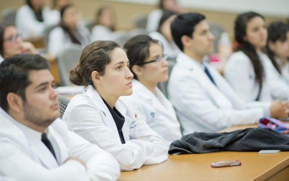 Los estudiantes de Medicina, abocados a becar a compañeros en riesgo de dejar la carrera
