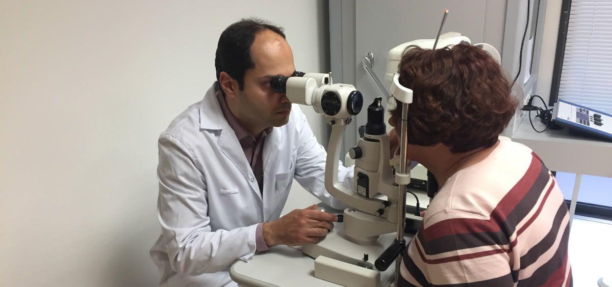 La única manera de detectar la Retinopatía Diabética y la Degeneración Macular Asociada a la Edad es a través de un examen oftalmológico completo
