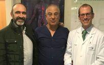 Los doctores Raúl Moreno, Shmuel Banai y Gonzalo Pizarro