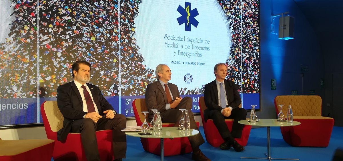 De izquierda a derecha: Francisco Aramburu, Enrique Ruiz Escudero y Juan Jorge González Armengol, este miércoles en Madrid