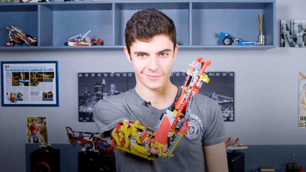 Vivir con un brazo protésico de Lego