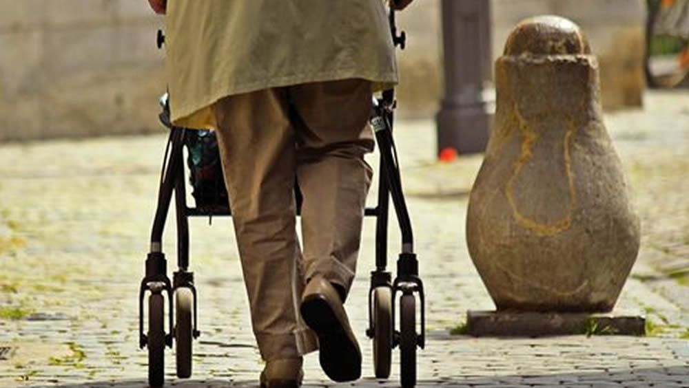 Una nueva terapia en Atención Primaria frena y reduce la fragilidad