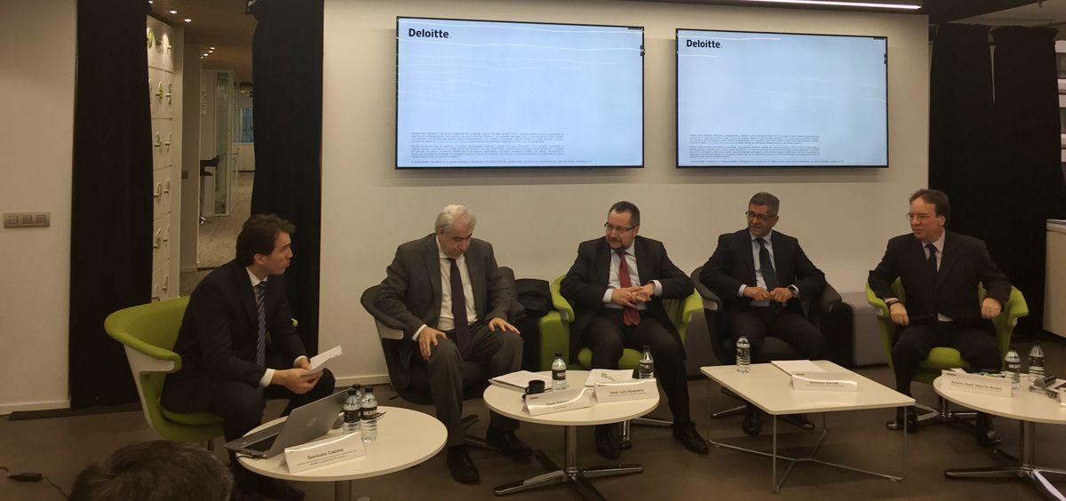 De izq. a dcha.: Gonzalo Casino, Emili Esteve, José Luis Baquero, Antonio Bernal y Amos José García