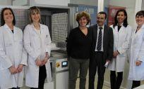 En el proyecto participan investigadores del Área de Microbiología Molecular del Cibir, del Departamento de Ingeniería Mecánica de la UR, y del Departamento de Higiene y Tecnología de los Alimentos de la ULE