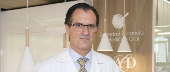 José Cruz Ruiz Villandiego, jefe del Servicio de Odontología y Estomatología del Hospital de Día Quirónsalud Donostia y presidente de la Sociedad Española de Odontoestomatología para pacientes con necesidades especiales