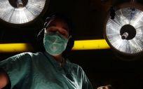 Los expertos alertan de que muchos trasplantes capilares en Turquía no se realizan en quirófanos apropiados