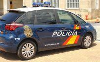Agentes de la Policía Nacional han detenido a una pareja por vender en Internet medicamentos adelgazantes considerados ilegales.