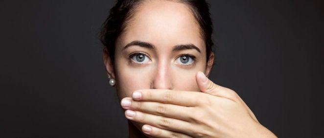 El mal aliento es otro de los problemas que puede ocasionar la rinitis alérgica